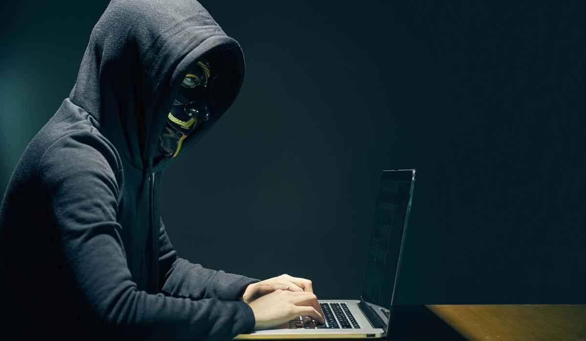 hacker symbolbild - DSGVO-Umsetzung kommt kaum voran