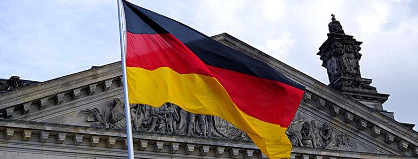 deutschland fahne land 845x321 - Drachenlord - Ohne Rundfunklizenz ist Livestreaming verboten